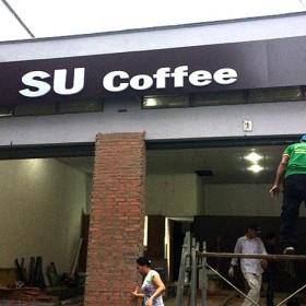 Bảng hiệu quảng cáo SU Coffee
